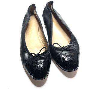 Chanel black patient leather logo shoes size 39